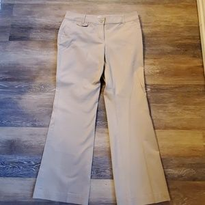 Women's New York and Company size 8 Khakis